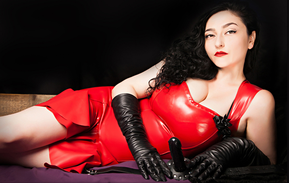 mistress_clarissa_home_1